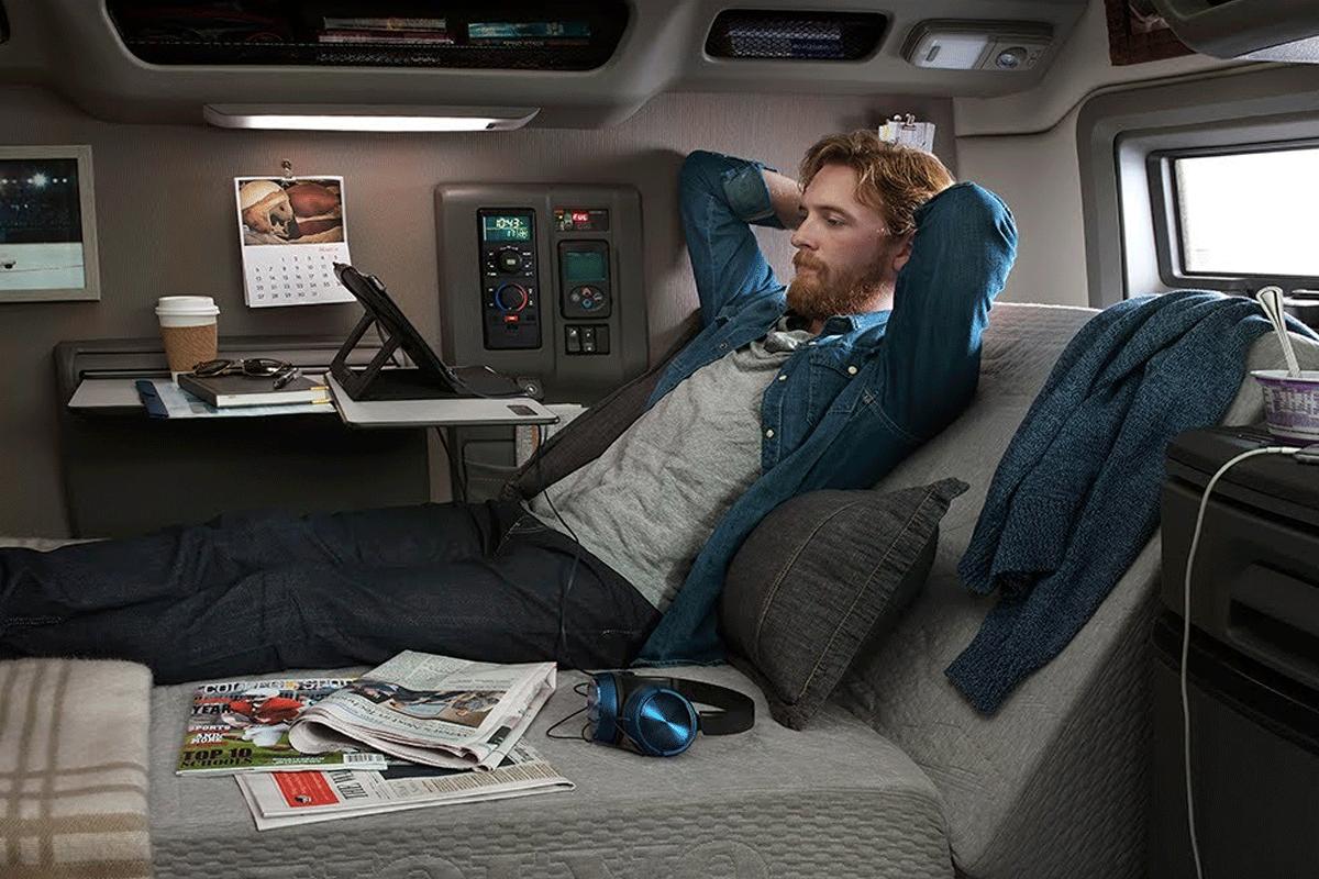 Adiós al descanso semanal…en la cabina de tu camión