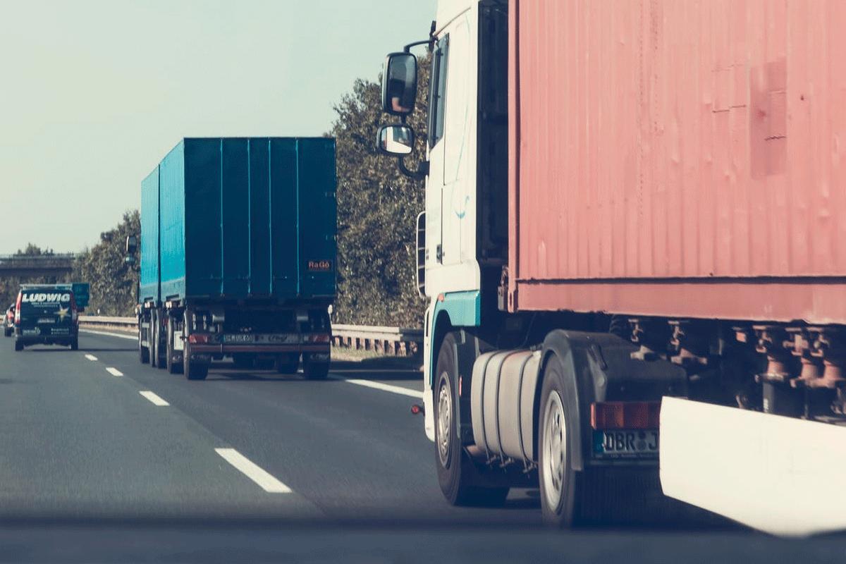 Restricciones en las carreteras a vehículos  de más de 7.500 kg