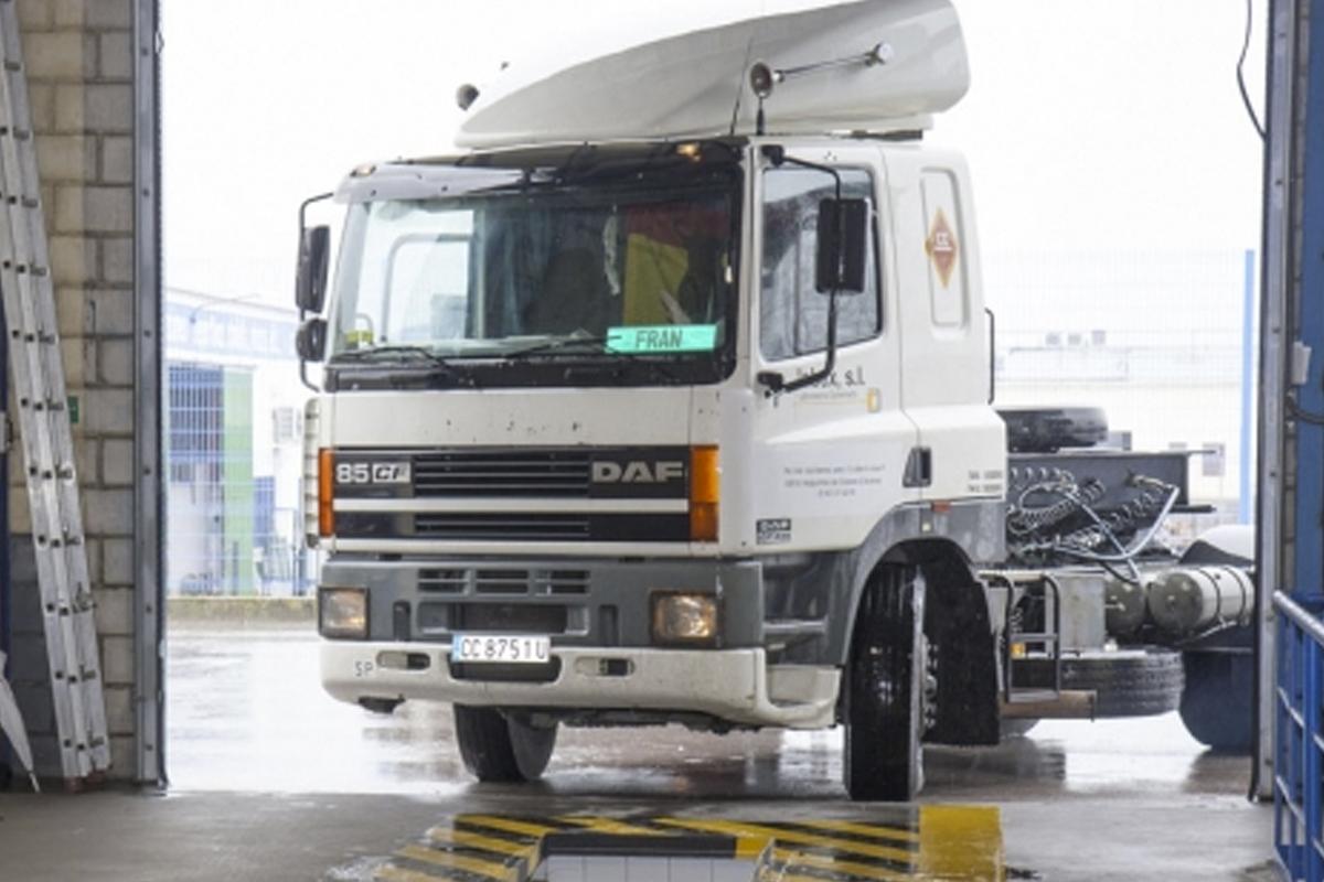 Camiones, remolques y semirremolques entre el tipo de vehículos más rechazados por las ITVs.